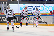 Mikkel Boedker, Mirco Mueller und Libor Hudacek (Lugano) jubeln nach dem 1:2 im Spiel der National League zwischen den SC Rapperswil-Jona Lakers und dem HC Lugano, am Dienstag, 19. Oktober 2021, in der St. Galler Kantonalbank Arena Rapperswil-Jona. (Thomas Oswald)