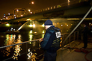 Charenton. Paris, France. 6 Mai 2009..Brigade Fluviale de Paris..0h55 Intervention sur un feu electrique sous le pont de Charenton..Charenton. Paris, France. May 6th 2009..Paris fluvial squad..0:55 am Intervention on a fire under a bridge...