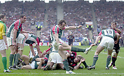 Leicester, Walker Stadium., Leicestershire, 5th April 2004, Heineken Cup, ENGLAND. [Mandatory Credit: Photo  Peter Spurrier/Intersport Images],Heineken Cup, Semi Final, Leicester Tigers vs Stade Toulouse, Walker Stadium, Leicester, ENGLAND: Austin Healey, clears from the back of the scrum.