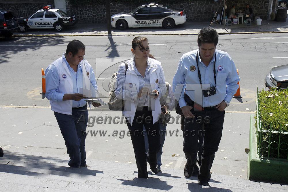 TOLUCA, México.-  La diputada local panista Mónica Fragoso  Maldonado acudió a la Procuraduría General de Justicia del Estado de México, a interponer una denuncia por agresión a su equipo de trabajo durante una gira de trabajo en los ejidos de  Santa Ana Tlapaltitlán. Agencia MVT / Crisanta Espinosa. (DIGITAL)