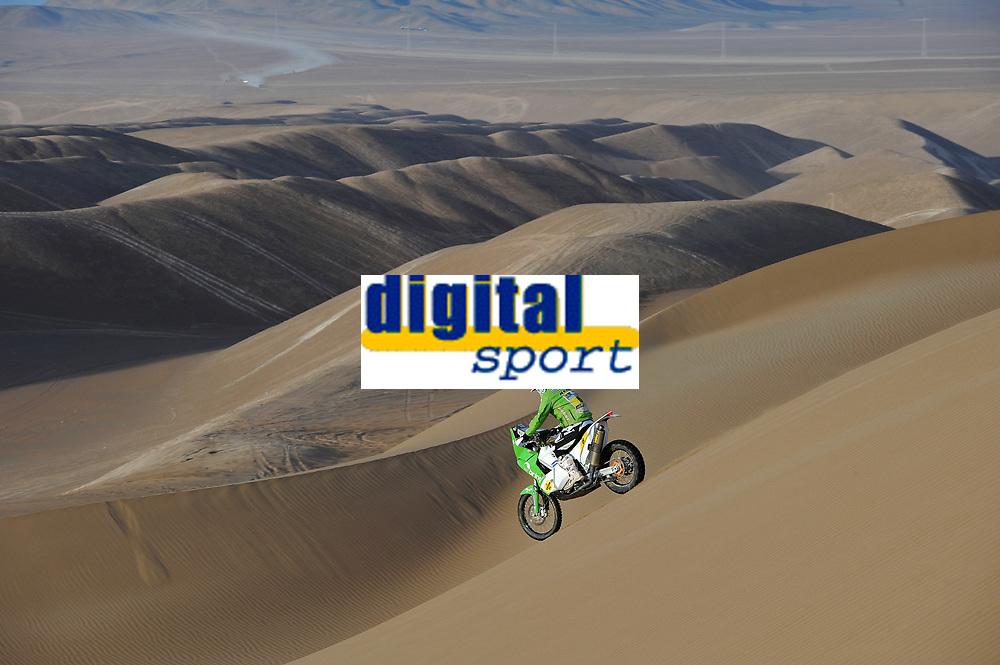 MOTORSPORT - DAKAR ARGENTINA CHILE 2011 - STAGE 6 : IQUIQUE (CHI) / ARICA (CHI) - 07/01/11 - PHOTO : ERIC VARGIOLU / DPPI - <br /> 06 ULLEVALSETER PÅL ANDERS (NOR) - KTM / TEAM SCANDINAVIA - ACTION