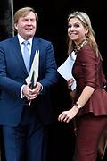 Koning Willem Alexander reikt Erasmusprijs 2016 uit aan  aan Britse schrijfster A.S. (Antonia Susan) Byatt.<br /> <br /> King Willem Alexander awards the  Erasmus Prize 2016 to British writer A.S. (Antonia Susan) Byatt.<br /> <br /> Op de foto / On the photo: <br />  Koningin Maxima en Koning Willem Alexander / Queen Maxima and King Willem Alexander