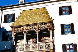 THEMENBILD - Das Goldene Dachl in der Innsbrucker Altstadt gilt als Wahrzeichen der Tiroler Landeshauptstadt, aufgenommen am 02. Dezember 2017, Innsbruck, Österreich // The Golden Roof in the old town of Innsbruck is considered a landmark of the Tyrolean state capital on 2017/12/02, Innsbruck, Austria. EXPA Pictures © 2017, PhotoCredit: EXPA/ Stefanie Oberhauser
