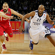 Anadolu Efes's Alfred Jamon Lucas (R) during their Turkish Airlines Euroleague Basketball playoffs Game 4 Anadolu Efes between Olympiacos at Abdi ipekci Arena in Istanbul, Turkey, Friday, April 19, 2013. Photo by Aykut AKICI/TURKPIX