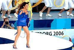 06-08-2006 ATLETIEK: EUROPEES KAMPIOENSSCHAP: GOTHENBORG <br /> De openingsceremonie van de 29th European Championships Athletics werd op de Gotaplatsen gehouden / Zangeres Carola<br /> ©2006-WWW.FOTOHOOGENDOORN.NL