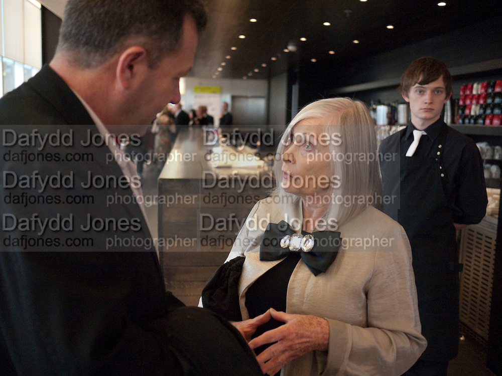 DORIS SAATCHI, Exposed: Voyeurism, Surveillance and the Camera<br /> Tate Modern, London. OPENING AND DINNER.- 26 MAY 2010. -DO NOT ARCHIVE-© Copyright Photograph by Dafydd Jones. 248 Clapham Rd. London SW9 0PZ. Tel 0207 820 0771. www.dafjones.com.