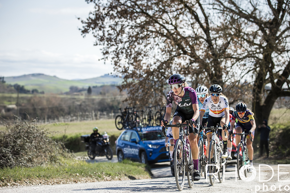 A counter-attack of eight riders went with 36 km to go <br /> <br /> <br /> 7th Strade Bianche Women Elite <br /> Siena > Siena 136km<br /> <br /> ©RhodePhoto