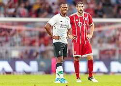 01.08.2017, Allianz Arena, Muenchen, GER, Audi Cup, FC Bayern Muenchen vs FC Liverpool, im Bild Auswechslung Daniel Sturridge (FC Liverpool), Javi Martinez (FC Bayern Muenchen) // during the Audi Cup Match between FC Bayern Munich and FC Liverpool at the Allianz Arena, Munich, Germany on 2017/08/01. EXPA Pictures © 2017, PhotoCredit: EXPA/ JFK