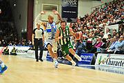 DESCRIZIONE : Campionato 2014/15 Dinamo Banco di Sardegna Sassari - Sidigas Scandone Avellino<br /> GIOCATORE : Daniele Cavaliero<br /> CATEGORIA : Palleggio Penetrazione<br /> SQUADRA : Sidigas Scandone Avellino<br /> EVENTO : LegaBasket Serie A Beko 2014/2015<br /> GARA : Dinamo Banco di Sardegna Sassari - Sidigas Scandone Avellino<br /> DATA : 24/11/2014<br /> SPORT : Pallacanestro <br /> AUTORE : Agenzia Ciamillo-Castoria / M.Turrini<br /> Galleria : LegaBasket Serie A Beko 2014/2015<br /> Fotonotizia : Campionato 2014/15 Dinamo Banco di Sardegna Sassari - Sidigas Scandone Avellino<br /> Predefinita :