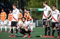 AMSTELVEEN  - Hockey -  1e wedstrijd halve finale Play Offs dames.  Amsterdam-Bloemendaal (5-5), Bl'daal wint na shoot outs. Jan Willem Buissant, Valentin Verga (A'dam) , Mirco Pruyser (A'dam) en Teun Rohof (A'dam)   tijdens de shoot outs.  COPYRIGHT KOEN SUYK