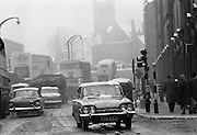 Snow holds up traffic In Dublin.<br /> 09.02.1968