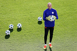 Manchester City goalkeeper Willy Caballero warms up - Mandatory by-line: Matt McNulty/JMP - 18/10/2016 - FOOTBALL - Manchester City - Training session ahead of Champions League qualifier against FC Barcelona