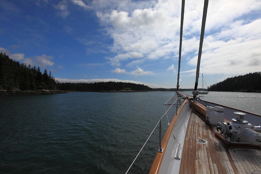 S/Y Whitehawk cruises Maine.