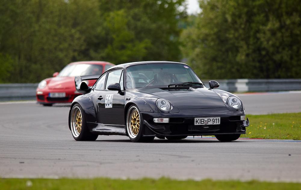 Race days - Porsche 911 RSR (993) on track