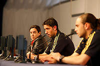 GEPA-1206087633 - NEUSTIFT IM STUBAITAL,AUSTRIA,12.JUN.08 - FUSSBALL - UEFA Europameisterschaft, EURO 2008, Nationalteam Spanien, Pressekonferenz. Bild zeigt Joan Capdevila und Sergio Garcia (ESP).<br />