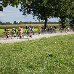 06-09-2020: Wielrennen: Omloop Valkenswaard: Valkenswaard<br />Nederlands beloften kampioen Stijn Damen voert de forcing op een gravelstrook