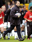 Leicester, England UK., 9th October 2004,  Zurich Premiership Rugby, Leicester Tigers vs Bath Rugby, Welford Road,<br /> [Mandatory Credit: Peter Spurrier/Intersport Images],<br /> Bath coach John Connelly.
