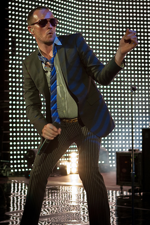 Vocalist SCOTT WEILAND of Stone Temple Pilots performs at Red Rocks Amphitheater.