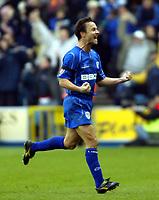 Fotball<br /> England 2004/2005<br /> Foto: SBI/Digitalsport<br /> NORWAY ONLY<br /> <br /> Millwall v West Ham United<br /> Coca Cola Championship. 21/11/2004.<br /> <br /> Dennis Wise celebrates Daniel Dichio's winner