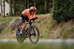 Anna van der Breggen (NED) on her way to winning the 2020 UEC Road European Championships - Elite Women ITT, a 25.6 km individual time trial in Plouay, France on August 24, 2020. Photo by Sean Robinson/velofocus.com