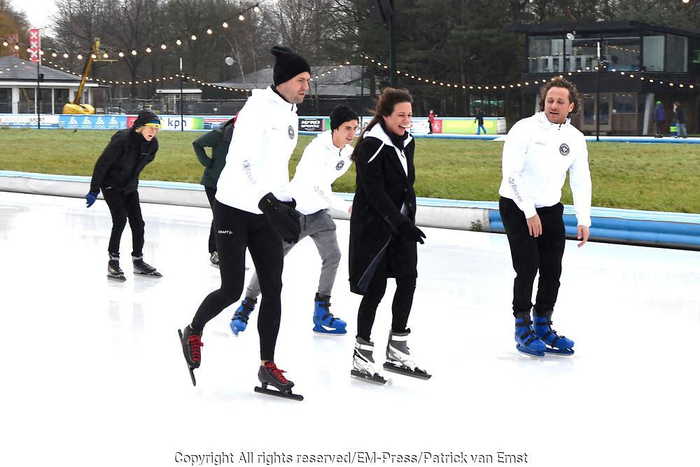 Kick-off De Hollandse 100 2019 van Lymph&Co bij de Jaap Eden IJsbaan in Amsterdam.Lymph&Co is een initiatief van Bernhard van Oranje en heeft als doel de financiering van wetenschappelijk onderzoek naar de aard en behandeling van lymfklierkanker te steunen. <br /> <br /> Op de foto:  Prinses Annette   en Simon Keizer
