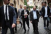 Nichi Vendola per le strade del del centro di Roma. Roma, 27 settembre 2013. Christian Mantuano / OneShot