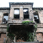 An abandoned old home, now in ruin, in Istanbul's Sultahmet district near the Blue Mosque.
