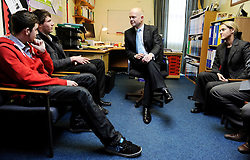 William Hague talks to politics students during a visit The Kingswood School in Corby with PPC Louise Bagshawe, Thursday February 4, 2010. Photo By Andrew Parsons/ i-Images.