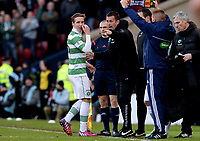 01/02/15 SCOTTISH LEAGUE CUP SEMI-FINAL<br /> CELTIC v RANGERS<br /> HAMPDEN - GLASGOW<br /> celtic manager Ronny Deila speaks with Stefan Johansen (left) during the match.