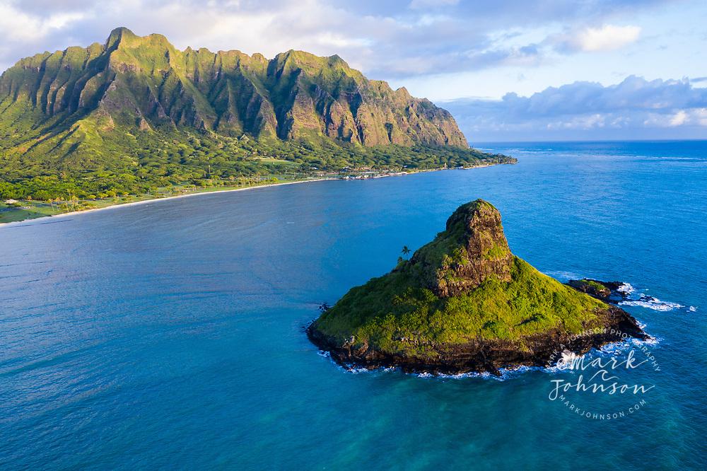Aerial photograph of Mokoli'i Island, locally known as Chinaman's Hat, Kualoa, Kaneohe Bay, Windward Oahu, Hawaii