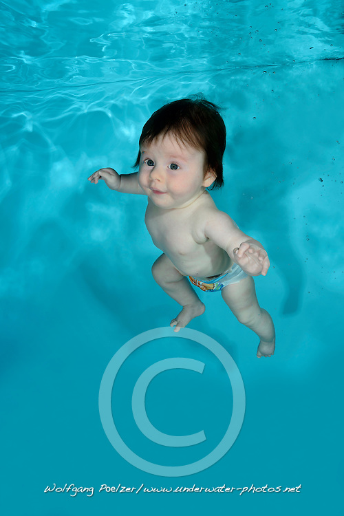 Baby diving in Pool Babyswim,  Waterbaby,  Babyswimming