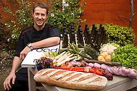 18/Abril/2008 Bélgica. Flandes. Brujas.<br /> Tim Cornille, chef del Restaurante Den Dyver.<br /> timcornille@hotmail.com<br /> <br /> ©JOAN COSTA