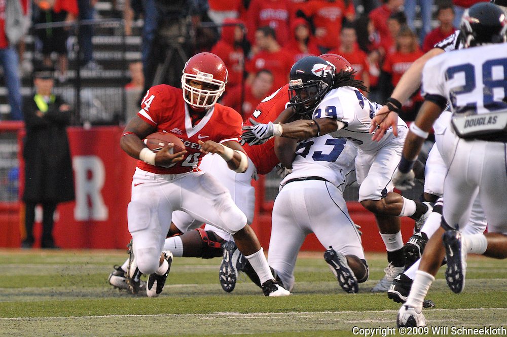 Sep 12, 2009; Piscataway, NJ, USA; Rutgers running back De'Antwan Williams (34) outruns defenders during the second half of Rutgers' 45-7 victory over Howard in NCAA college football at Rutgers Stadium