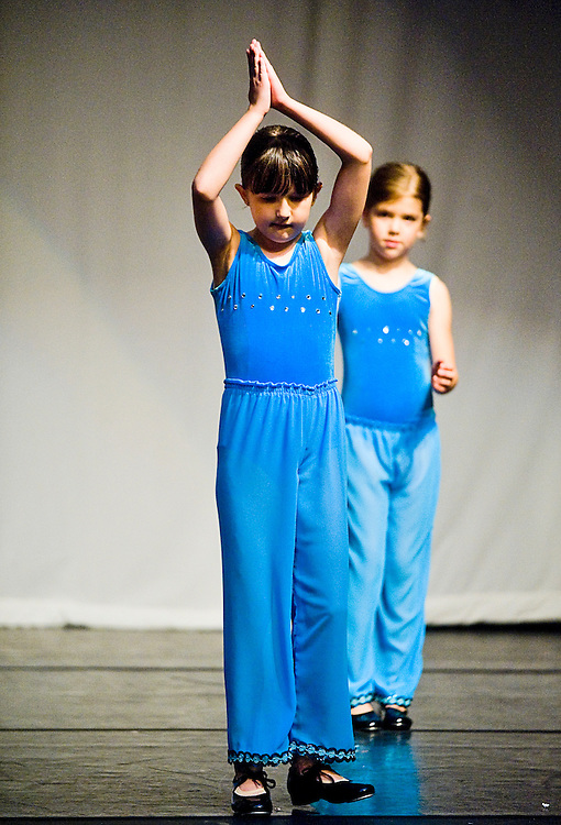 Saturday, June 13, 2009..Experimental Movement Concept's Spring Concert dress rehearsal at Community College Baltimore County in Catonsville..DF 1.DF 2.CECELIA LAVORGNA.KAMRYN FRONTZ