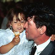 Huwelijk Sandra en John Cerneuf Alkmaar vriendin Herman Brood met dochter