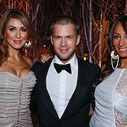 NLD/Amsterdam/20121206 - VIP night Masters of LXRY, Tamara Elbaz en partner Hans Spee met Maria Tailor