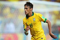Neymar, do Brasil, comemora após marcar gol durante a partida contra o Japão, válida pela primeira rodada da Copa das Confederações, no Estádio Nacional Mané Garrincha, em Brasília. FOTO: Jefferson Bernardes/Preview.com
