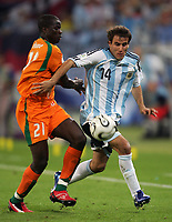 Hamburg 10/6/2006 World Cup 2006<br /> <br /> Argentina Cote d'Ivoire - Argentina Costa d'Avorio 2-1<br /> <br /> Photo Andrea Staccioli Graffitipress<br /> <br /> Rodrigo Palacio Argentina Emmanuel Eboue Cote d'Ivoire
