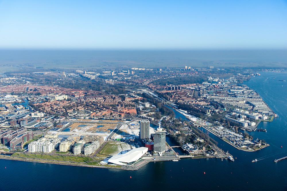 Nederland, Noord-Holland, Amsterdam, 28-10-2016; winters stadsgezicht, overzicht IJ en IJ-oever met Overhoeks en ingang Noordhollands kanaal. Landelijk Noord in het verschiet.<br /> View on the IJ (water) and urban renewal in Amsterdam North.<br /> luchtfoto (toeslag op standard tarieven);<br /> aerial photo (additional fee required);<br /> copyright foto/photo Siebe Swart