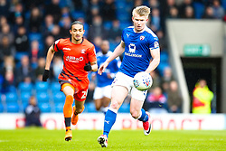 George Smith of Chesterfield runs with the ball - Mandatory by-line: Robbie Stephenson/JMP - 28/04/2018 - FOOTBALL - Proact Stadium - Chesterfield, England - Chesterfield v Wycombe Wanderers - Sky Bet League Two