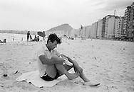 1959:Peter Townsend on the famous Copacabana beach in Rio de Janeiro.<br /> Townsend broke up with Princess Margaret because it was unthinkable for a divorcee to marry a British Royal.He than went on a voyage around the world to forget.<br /> <br /> 1959: Peter Townsend sur la célèbre plage de Copacabana à Rio de Janeiro .<br /> Townsend a rompu avec la princesse Margaret  car il était impensable pour un divorcé d'épouser un membre de la famille royal britannique. Il est partis pour un voyage autour du monde pour oublier.
