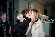 SOPHIE HICKS; ALBA HODSALL, The Way We Wore.- Photographs of parties in the 70's by Nick Ashley. Sladmore Contemporary. Bruton Place. London. 13 January 2010. *** Local Caption *** -DO NOT ARCHIVE-© Copyright Photograph by Dafydd Jones. 248 Clapham Rd. London SW9 0PZ. Tel 0207 820 0771. www.dafjones.com.<br /> SOPHIE HICKS; ALBA HODSALL, The Way We Wore.- Photographs of parties in the 70's by Nick Ashley. Sladmore Contemporary. Bruton Place. London. 13 January 2010.