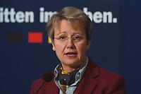 """25 JAN 2000, BERLIN/GERMANY:<br /> Annette Schavan, CDU, Stellv. Vorsitzende CDU und Kultusministerin Baden-Württemberg, während einer Pressekonferenz """"Bildungspolitischer Leitantrag"""", CDU Bundesgeschäftsstelle<br /> IMAGE: 20000125-01/01-04"""