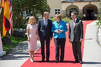 07 JUN 2015, ELMAU/GERMANY:<br /> Malgorzata Tusk, Ehefrau von EU-Ratspräsident Donald Tusk, Donald Tusk, Praesident Europaeischer Rat, Angela Merkel, CDU, Bundeskanzlerin, Joachim Sauer, Ehemann von Angela Merkel (v.L.n.R.), waehrend der Begruessung der anreisenden Regierungschefs und deren Ehepartner, G7-Gipfel vor Schloss Elmau bei Garmisch-Patenkirchen<br /> IMAGE: 20150607-01-010<br /> KEYWORDS: G7 Summit