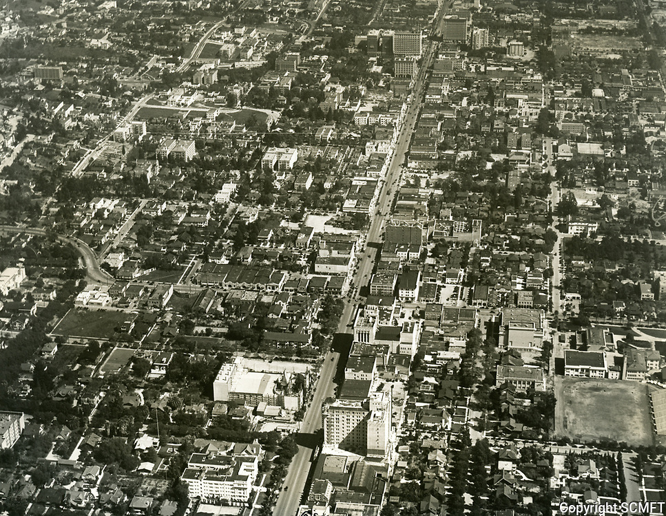 1927 Looking east at Hollywood and Hollywood Blvd.
