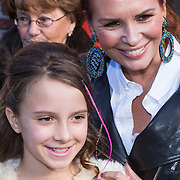 NLD/Laren/20130103 - Huwelijk Laura Ruiters, Leontien Borsato - Ruiters en dochter Jada