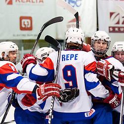 20110415: SLO, Ice-Hockey - U18 Denmark vs U18 Slovenia