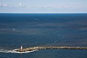 Nederland, Noord-Holland, IJmuiden, 16-04-2008; Noorderlijke Havendam, met havenlicht; aan de horizon het windmolenpark op zo'n tien kilometer voor de kust van Egmond aan Zee; noordzeewind, windmolen, molen, turbine, windturbine, windpark, offshore, pier, havenhoofd, havendam..luchtfoto (toeslag); aerial photo (additional fee required); .foto Siebe Swart / photo Siebe Swart.