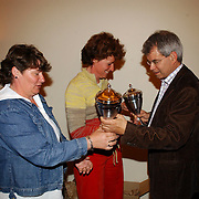 NLD/Bussum/20050530 - Uitreiking sportprijzen 2004 gemeente Bussum, vrijwilligsters 2004