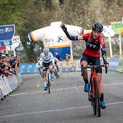 17-11-2019: Wielrennen: Veldrijden DVV cross: Hamme  Annemarie Worst wins in Hamme ahead of  Sanne Cant
